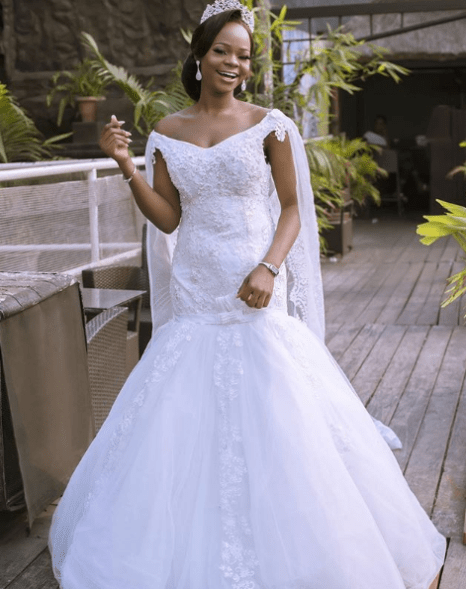 Olajumoke and little viral photobomber wow in wedding shoot Untitled 220