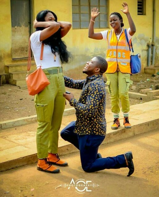 Man proposes to Corps member girlfriend two months after he slid into her DM (Photos) – Loudit News – img 20180128 124433 522 11240319177