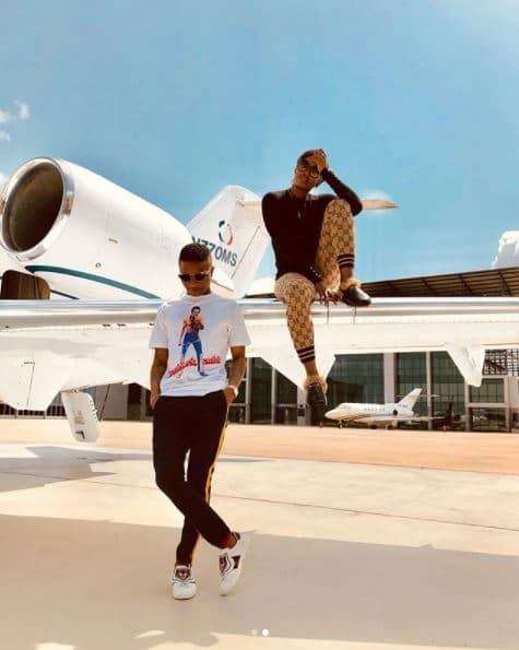 Nigerians superstars, Tiwa Savage and Wizkid have gotten tongues wagging after posing in a new set of photos. Tiwa and Wizzy1