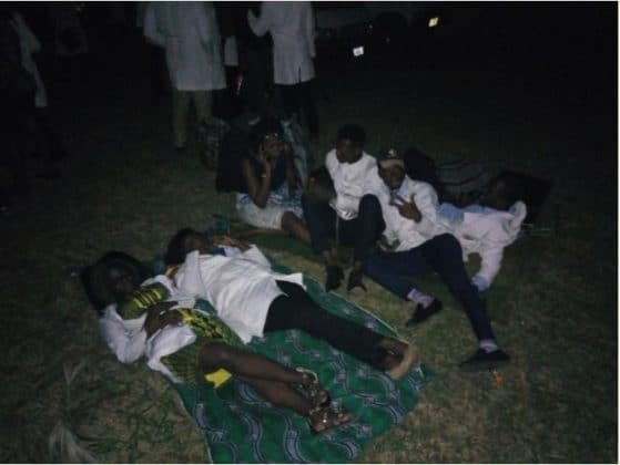 U.I Medical Students Sleep Outside The School After Being Evicted From Hostel (Photos) uis 559x420